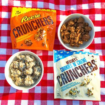 Photo of Hershey's Cookies 'n' Creme Crunchers uploaded by LORENA F.