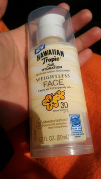 Hawaiian Tropic Silk Hydration Sunscreen Face Lotion with SPF 30 - 1. uploaded by Marionette D.