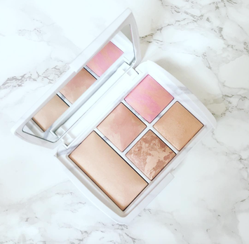 Hourglass Ambient® Lighting Edit - Surreal Light uploaded by Abi B.
