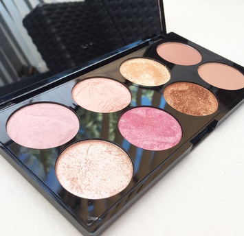 Photo of Makeup Revolution Golden Sugar 2 Rose Gold Ultra Professional Blush Palette uploaded by Abbie W.