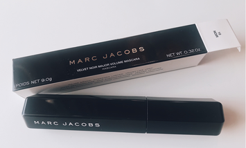 Photo of Marc Jacobs Beauty Velvet Noir Major Volume Mascara uploaded by Jane D.