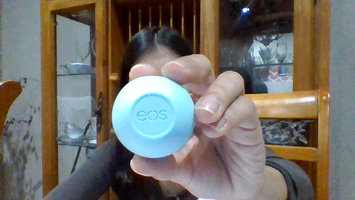 Photo of eos® Organic Smooth Sphere Lip Balm uploaded by Ingrid S.