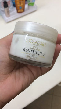 Photo of L'Oréal Paris RevitaLift Anti-Wrinkle + Firming Day Cream SPF 18 uploaded by Ingrid S.