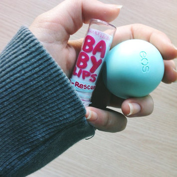 Photo of eos® Organic Smooth Sphere Lip Balm uploaded by Mariam P.