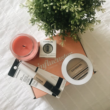 Photo of COVERGIRL Vitalist Healthy Setting Powder uploaded by Nikki A.