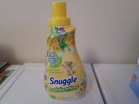 Snuggle Exhilarations White Lilac & Spring Flowers Concentrated Fabric Softener - 32 Loads uploaded by Melany A.