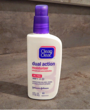 Photo of Clean & Clear Oil-Free Dual Action Moisturizer uploaded by Nathalie A.