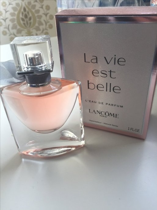 Lancôme La vie est belle uploaded by Katharina A.