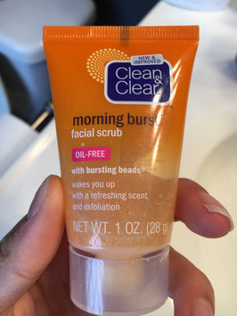 Clean & Clear Morning Burst Oil-Free Facial Cleanser uploaded by Reina L.