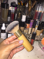 tarte Airbrush Finish Bamboo Foundation Brush uploaded by Heidusch C.