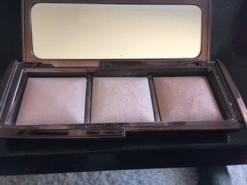 Hourglass Ambient Lighting Palette uploaded by Isela V.