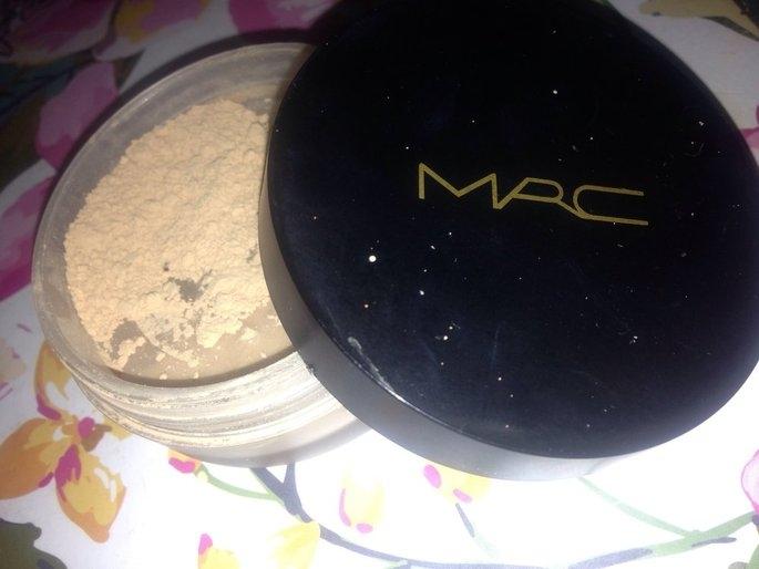 MAC Mineralize Loose Powder Foundation uploaded by Luiza B.