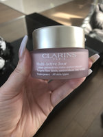 Clarins Multi-Active Day Early Wrinkle Correction Cream Gel uploaded by Catherine D.