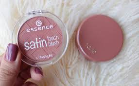 Photo of Essence Satin Touch Blush uploaded by Wiam B.