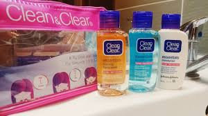 Photo of Clean & Clear® Essentials Deep Cleaning Toner For Sensitive Skin uploaded by Lisa m.