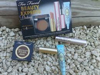 Too Faced Beauty Expert Darling Set Mascara Primer Bronzer Lip Cream uploaded by Omaima B.
