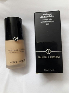 Giorgio Armani Luminous Silk Foundation uploaded by Rihab M.