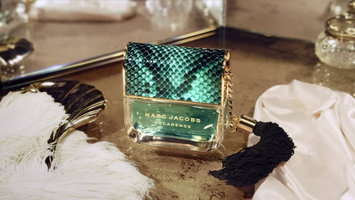 Photo of Marc Jacobs Divine Decadence Parfum uploaded by Maria M.