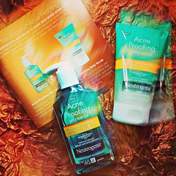 Photo of Neutrogena® New Acne Proofing™ Gel Cleanser uploaded by Maria De Jesus B.