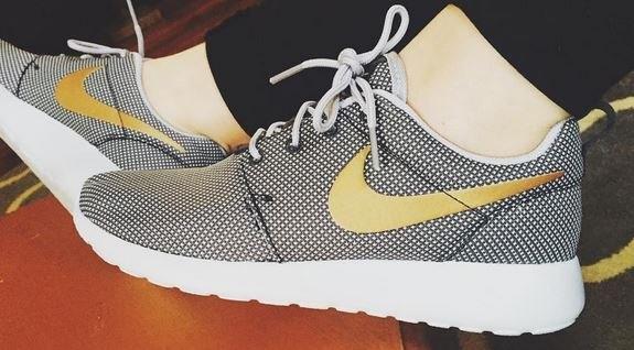 Men's Nike 'Roshe Run' Sneaker, Size 8.5 M - Blue uploaded by Jillian T.