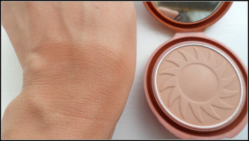 NYC Smooth Skin Bronzing Face Powder uploaded by Paola M.