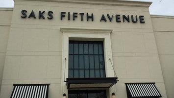 Photo of Saks Fifth Avenue uploaded by Jasmine B.