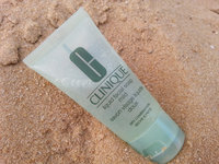 Clinique Youth Surge SPF 15 Age Decelerating Moisturzer for Dry Combination Skin uploaded by Tyler W.