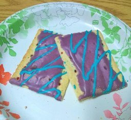 Photo of Kellogg's Pop-Tarts Wildlicious Frosted Wild Berry Toasted Pastries uploaded by Sarah J.