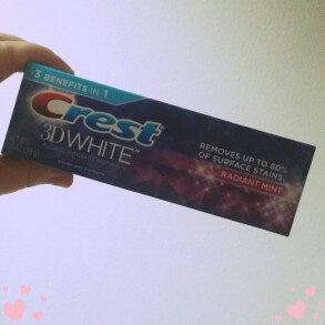 Photo of Crest 3D White Whitening Toothpaste Radiant Mint uploaded by Laura S.