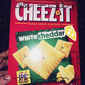 Sunshine Cheez-It Baked Snack Crackers White Cheddar uploaded by Megan S.