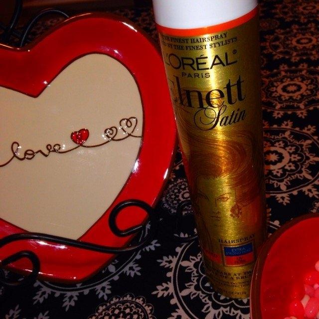 L'Oréal Elnett Satin Hairspray uploaded by Paula M.