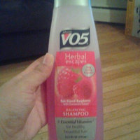 Alberto VO5® Herbal Escapes Balancing Shampoo Sun Kissed Raspberry uploaded by Rosie P.