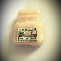 Yankee Candle Vanilla Cupcake Tarts Wax Melts, Food & Spice Scent [22 grams] uploaded by Delmy O.