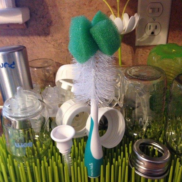 Munchkin Bottle & Nipple Brush uploaded by Larissa A.