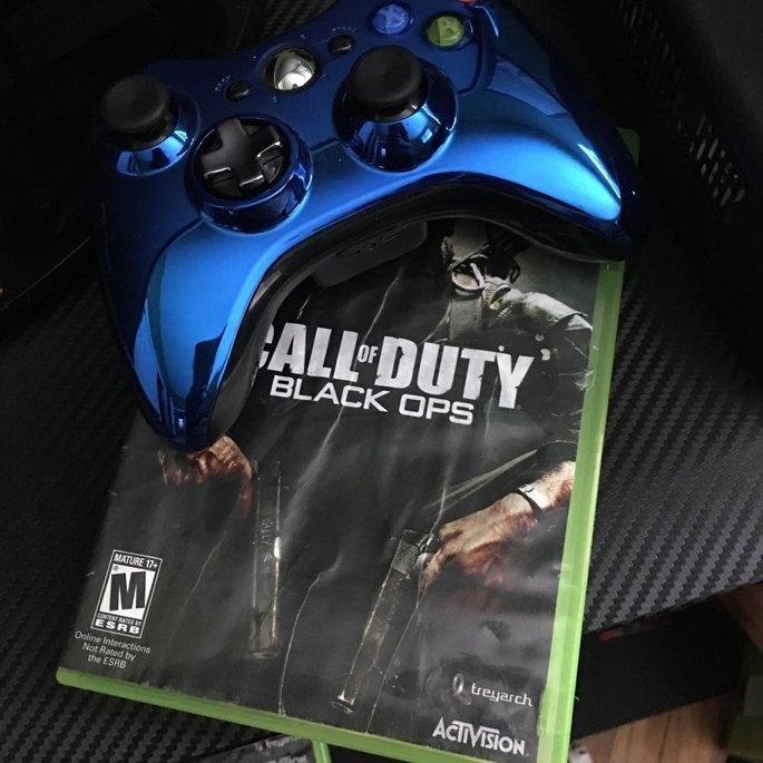 Xbox 360 Game BLKOPS+Gioteck Headset uploaded by Sammy M.