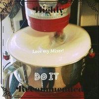 KitchenAid Professional 5 Qt Mixer- Red KP26M1X uploaded by Yajaira S.