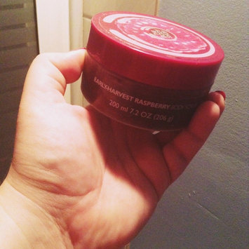 The Body Shop Early-Harvest Raspberry Body Scrub 200 ml uploaded by Laura P.