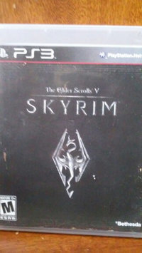 Bethesda Elder Scrolls V: Skyrim (PlayStation 3) uploaded by Elizabeth G.