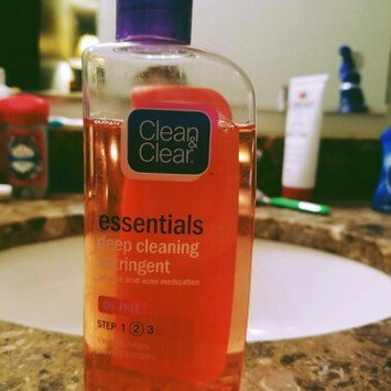 Photo of Clean & Clear® Essentials Deep Cleaning Astringent uploaded by michelle w.