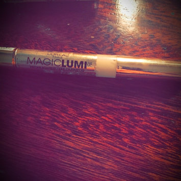 Photo of L'Oréal Paris MAGIC by Studio Secrets Magic Lumi Highlighting Concealer uploaded by Kaitlyn R.