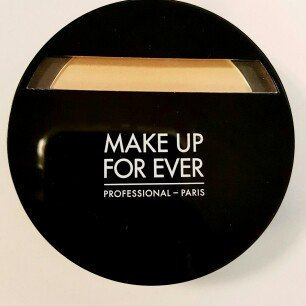Photo of MAKE UP FOR EVER Duo Mat Powder Foundation uploaded by Alexis L.