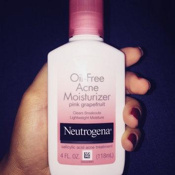 Neutrogena Oil-Free Acne Moisturizer uploaded by Yasmelkys B.