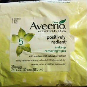 Photo of Aveeno® Active Naturals Positively Radiant Makeup Removing Wipes uploaded by Sandra R.