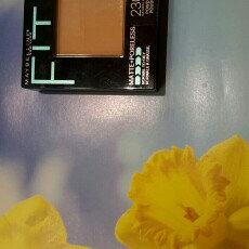 Maybelline Fit Me® Matte + Poreless Powder uploaded by Luzviminda G.