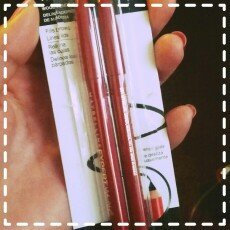 Photo of Maybelline Expert Eyes Defining Liner uploaded by Emily R.