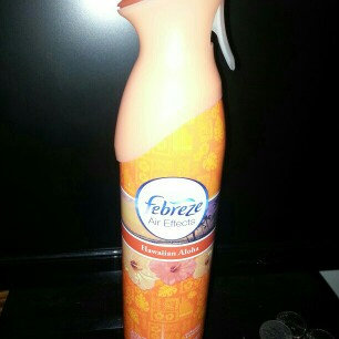 Photo of Febreze Air Refresher uploaded by erynn G.