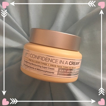 It Cosmetics Confidence in a Cream Transforming Moisturizing Super Cream uploaded by Amie W.