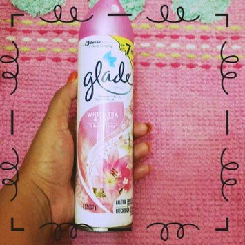 Photo of Glade White Tea & Lily Room Spray uploaded by Estefany Rd30665 G.