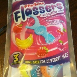 Plackers Dual Grip Fruit Smoothie Swirl Kid's Flossers uploaded by Alicia R.