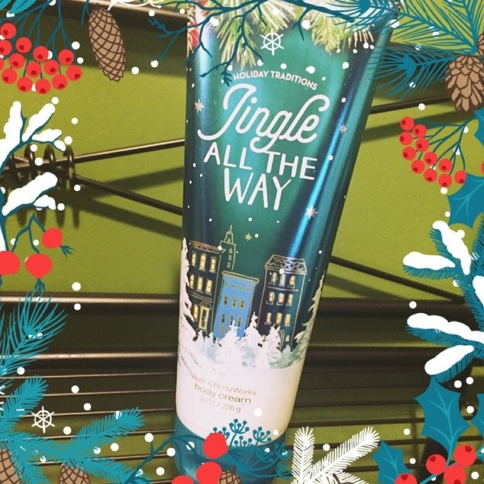 Bath & Body Works Jingle All The Way uploaded by Ceanna C.